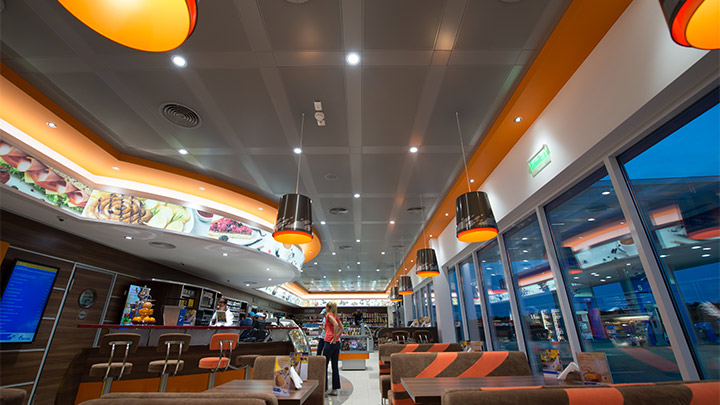 Build a better experience - led lights for convenience store